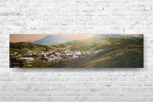 """Картина на холсте """"Городок в горах"""" 67х17см"""